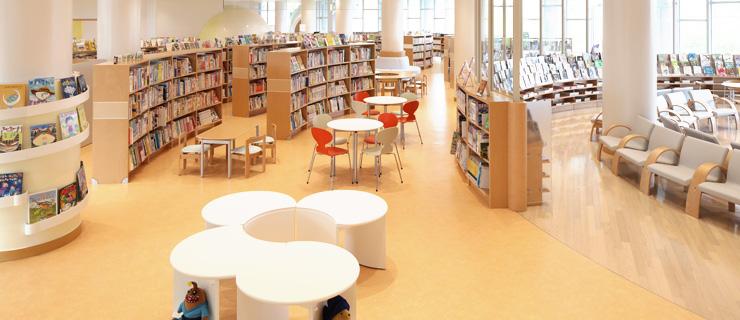 北茨城市立図書館1階の写真